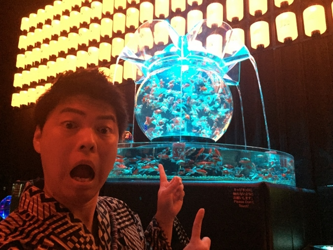 アートアクアリウム展2016 in 大阪~8,000匹の金魚が舞う幻想空間~