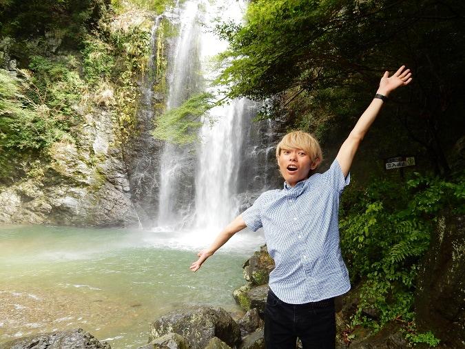 日本の滝百選「箕面の滝」は大阪市内から30分!駐車場情報も!