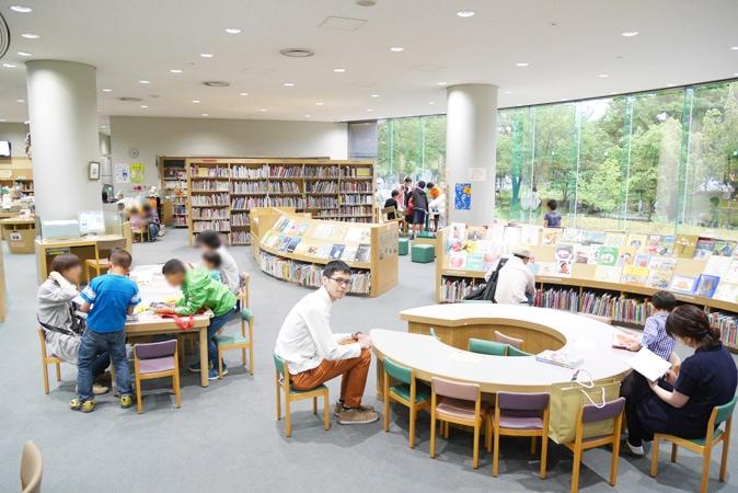 府立中央図書館 (80)