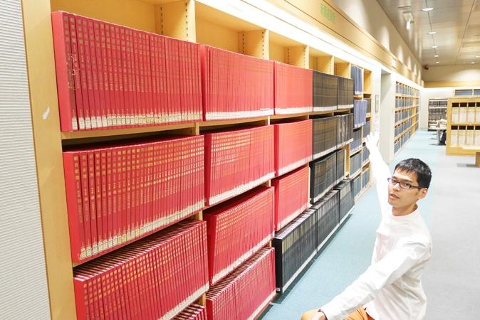 府立中央図書館 (27)