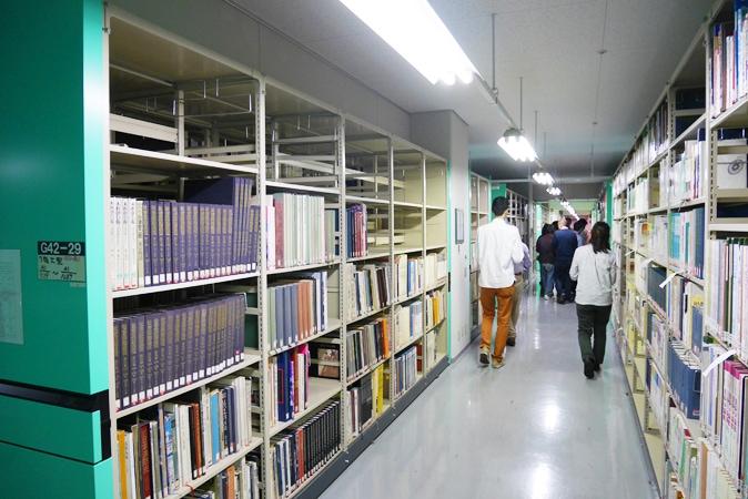 府立中央図書館 (67)