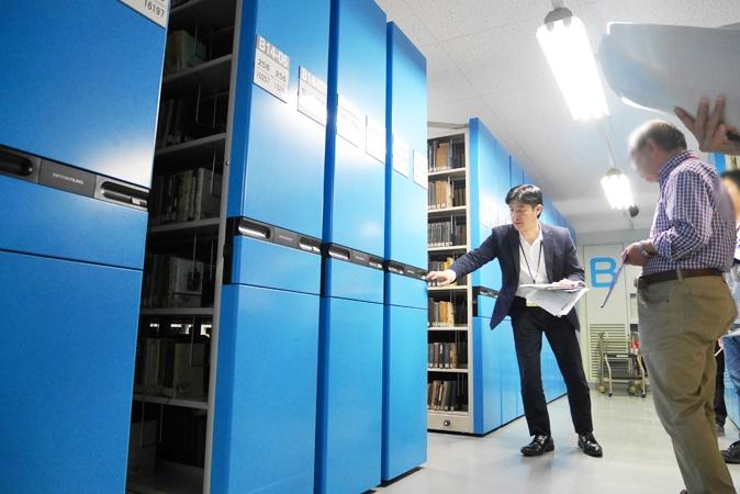 府立中央図書館 (64)