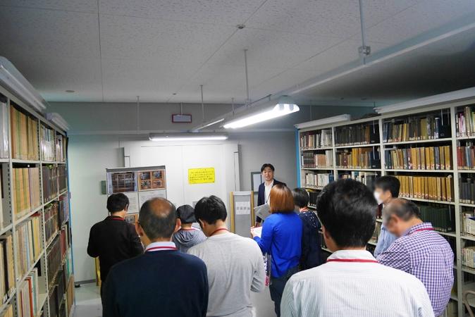府立中央図書館 (61)